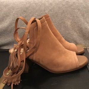 Tan suede Sam Edelman sandals